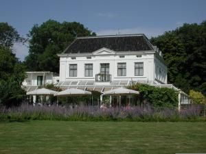 Hotel Green White in Oostkapelle